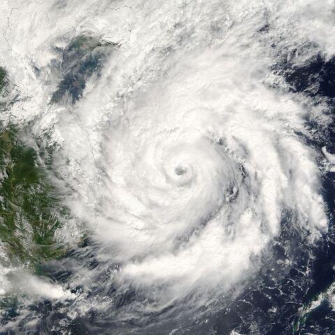 File:Typhoon Kai-Tak 2005.jpg
