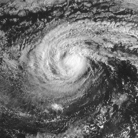 File:Hurricane Isis (2004).jpg