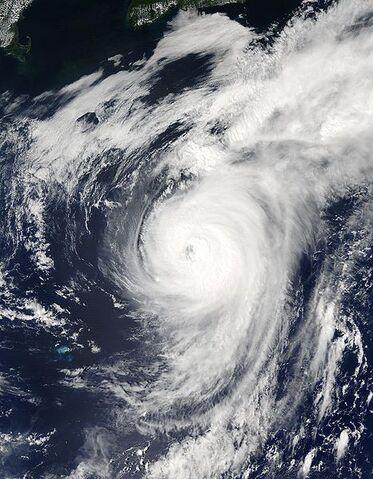 File:Hurricane Fabian 06 sept 2003 1705Z.jpg