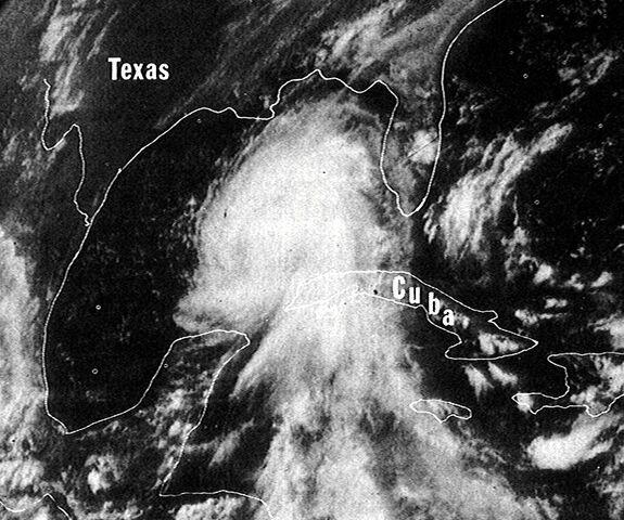 File:Hurricane Camille 16 aug 1969 1930Z.jpg