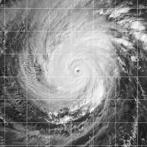 File:Typhoon Faxai (2001).JPG