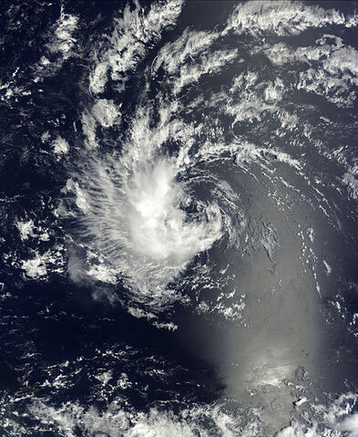 File:Tropical Wave Gaston 2010-09-04 1340Z.jpg