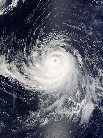 File:Typhoon Songda 02 sept 2004 0125Z.jpg