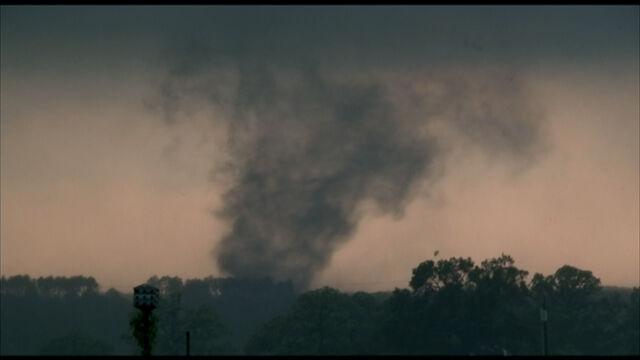 File:Tornado 151.jpg