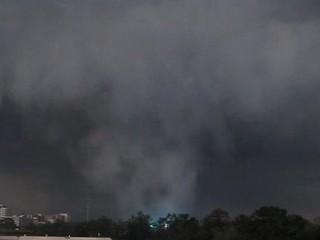 File:Tuscaloosa Tornado 2.jpg
