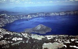 File:Crater Lake and Wizard Island.png