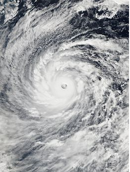 File:Vongfong 2014.png