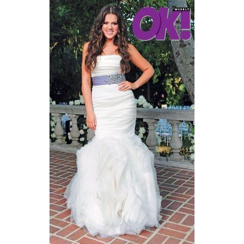 File:Bridal Dress Choice For Purple.jpg
