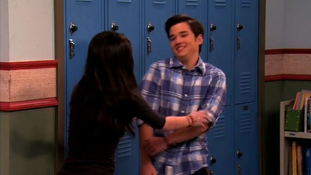 File:ICarly.S04E10.iOMG-HD.480p.Web-DL.x264-mSD.mkv 000981844.jpg