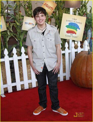 File:Nathan-kress-littlest-pumpkin-02.jpg