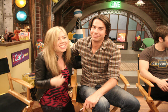 File:ICarly Set Visit 11.jpg
