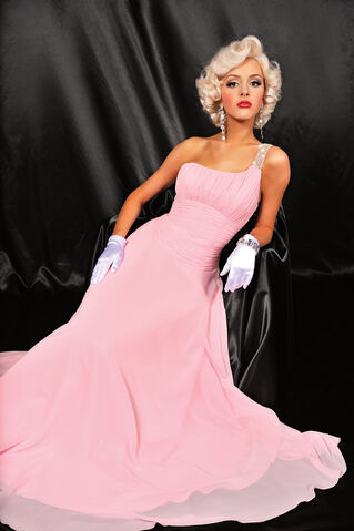 File:Beautiful-Dimitra-Prom-Dress2.jpg