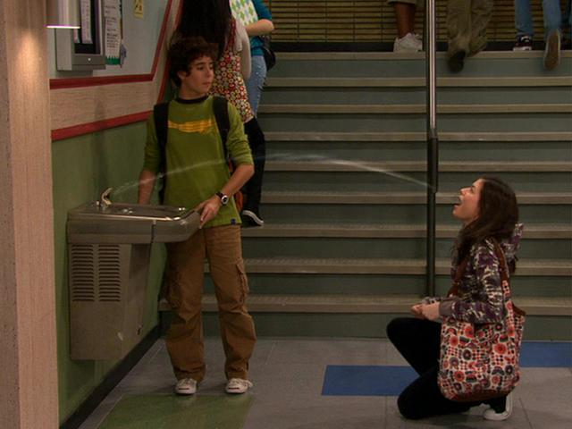 File:Seth helps Carly with the Water Fountain.JPG