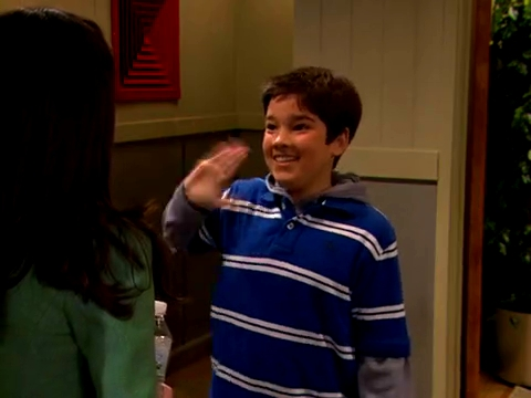 File:ICarly.S01E01.iPilot.HR.DVDRiP.XviD-LaR.avi 000278458.jpg