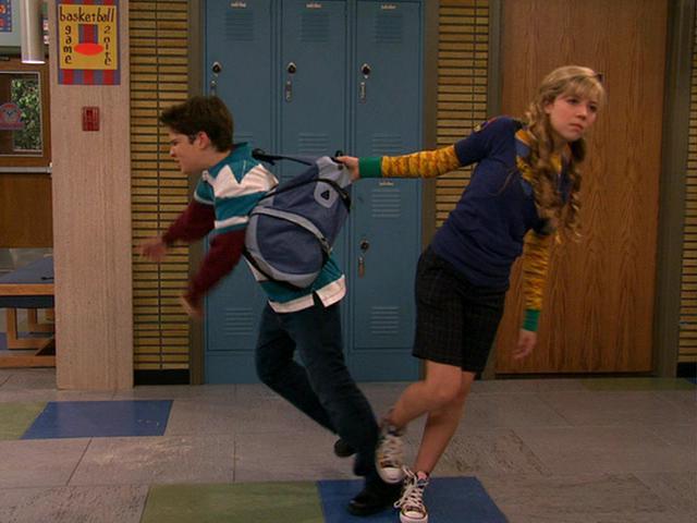 File:Freddie escaping from Sam !.JPG