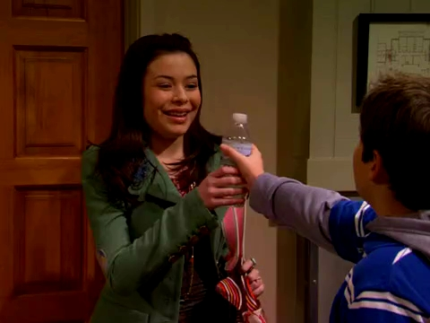 File:ICarly.S01E01.iPilot.HR.DVDRiP.XviD-LaR.avi 000273583.jpg