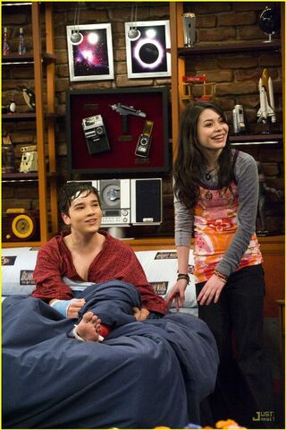File:Icarly-saved-life-stills-08.jpg