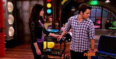 ICarly.S07E07.iGoodbye.480p.HDTV.x264 -Finale Episode-.mp4 002352973-026