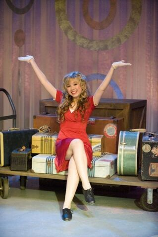 File:Jennette-mccurdy-icarly-pageant-02.jpg