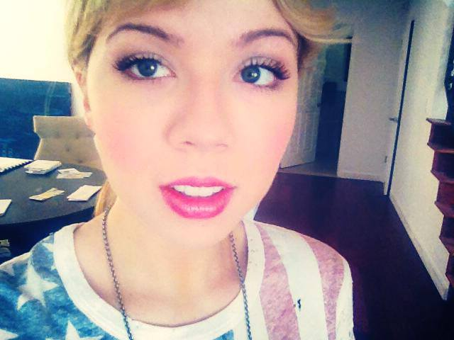 File:Jennette mccurdy in fb.jpg