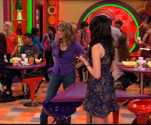 File:Sam and Carly in iBC.jpg