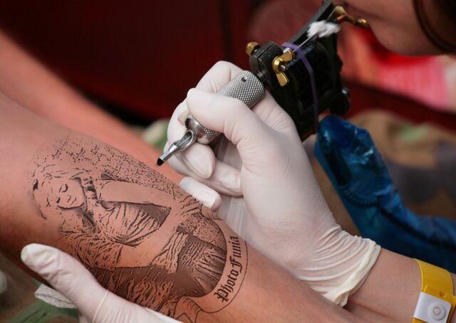 File:Seddie Romance Tattooed.jpg