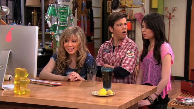 File:ICarly.S04E09.iPity.the.Nevel-HD.480p.WEB-DL.x264-mSD.mkv 000127127.jpg