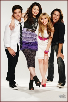 File:Icarly season 3.jpg