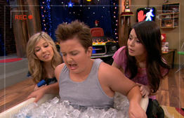 Cibby Carly Gibby tub of ice iptn.png
