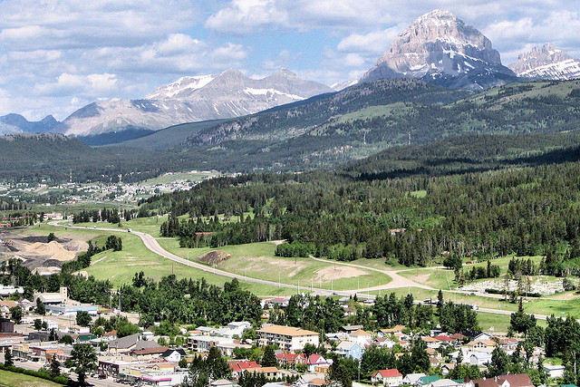 File:Blairmore, Alberta.jpg