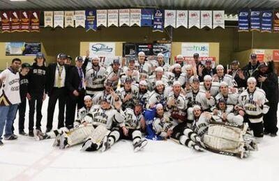 2016-selkirk-college-saints-champs-champs-500x400