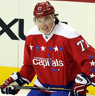 File:Oshie Capitals 2015.JPG