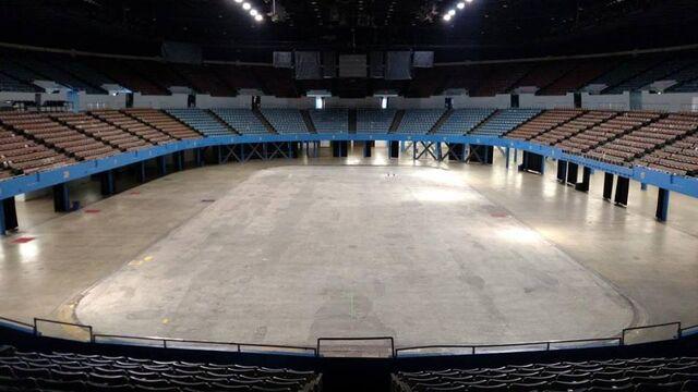 File:LA-Memorial-Sports-Arena interior.jpg