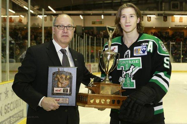 File:Brad Bowles (2015 Lorne Lyndon for Hockey Ability & Sportsmanship).jpg