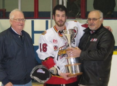 File:Tecumseh Chiefs with Sutherland Cup (2008).png