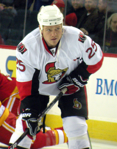 File:Chris Neil.png