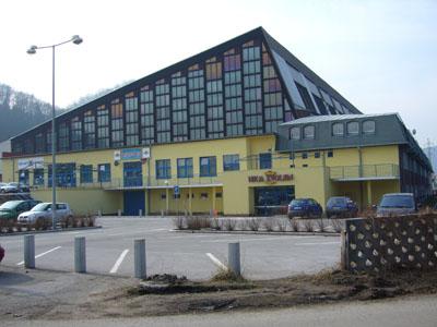 File:Zvolen Zimny Stadion.jpg