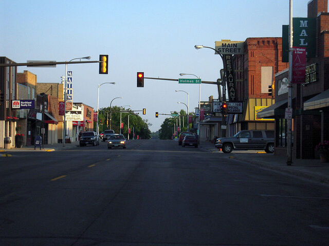 File:Detroit Lakes, Minnesota.jpg