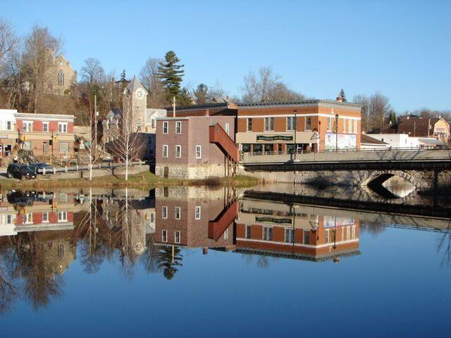 File:Eganville, Ontario.jpg