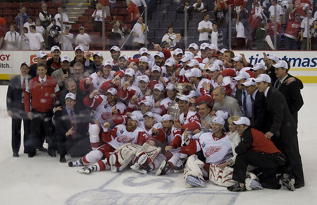 File:Red Wings 2008 Stanley Cup.jpg