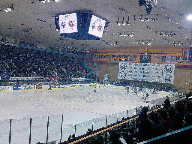 File:KHL Medvescak - KAC 15-01-2010.jpg