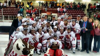 2016 WCHA womens champion Wisconsin Badgers