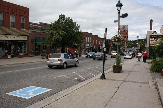 File:Huntsville, Ontario.jpg