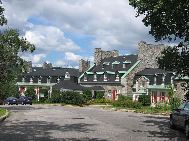 File:Baie-Comeau, Quebec.jpg