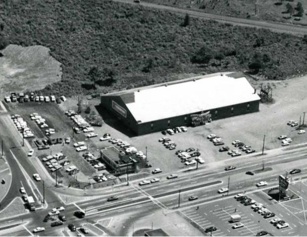 File:Dartmouth Arena.jpg