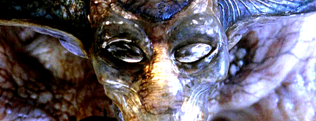 File:Alieneyes chatbanner.png