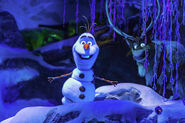 Olaf-and-Sven-Frozen-Ever-After