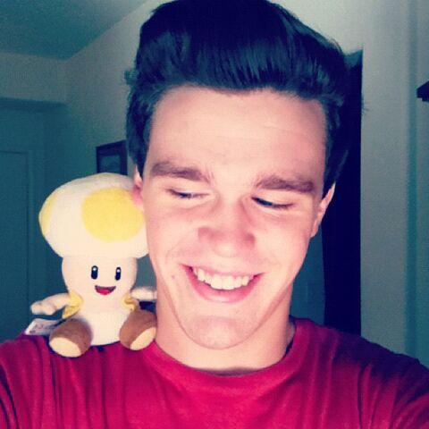 File:Peyton with a Mushroom.jpg