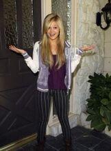 Olivia holt 2012 halloween photoshoot 6