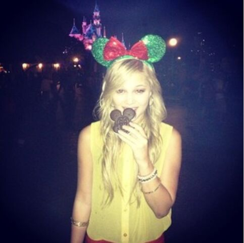 File:Olivia Mickey Mouse Ears.jpg